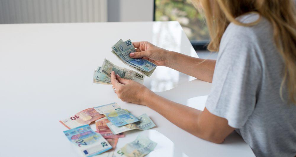 Kim jest żyrant? Na czym polega kredyt z poręczycielem?